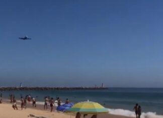 Avião A380 da Hi Fly sobrevoa praias do Algarve e deixa banhistas assustados