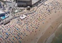 Praia em Espanha é verdadeiro exemplo de cumprimento de distanciamento social