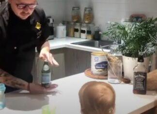 Barman treina habilidades durante a quarentena com o seu filho mais novo