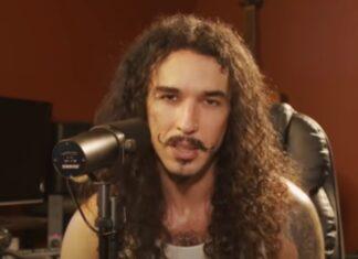 Homem imita a voz de 20 artistas conhecidos na perfeição