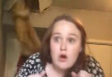 Jovem estava a cantar no seu quarto quando a mãe interrompe vinda do teto