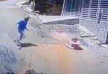 Motociclista salva bebé que descia rua em andador sem proteção