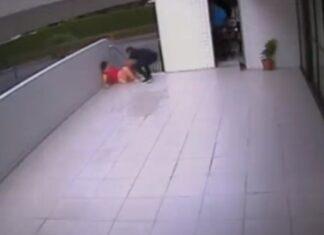 Futebolista brasileiro ajuda mulher a dar à luz no meio da rua