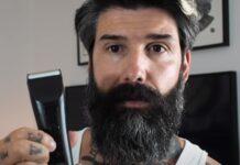 Homem corta a barba pela primeira vez em 10 anos