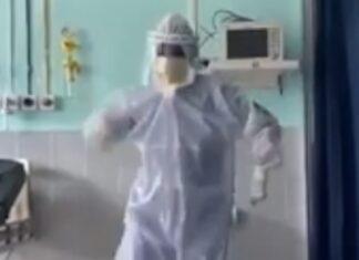 Médico dança para animar doentes infetados com Covid-19