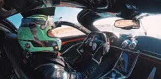SSC Tuatara atinge os 532,7 km/h e bate recorde mundial de velocidade
