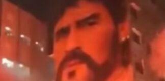 Adeptos do Nápoles fazem homenagem a Maradona nas ruas