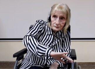 Ex-bailarina com Alzheimer começa a dançar assim que ouve música de Lago dos Cisnes