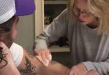 Mãe fica escandalizada ao perceber que filho fez outra tatuagem