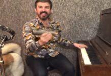 """Homem toca """"Pump Up The Jam"""" sozinho, com vários instrumentos"""