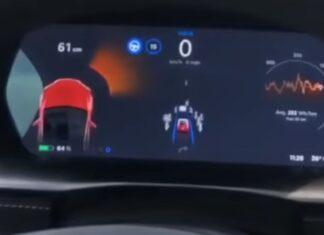 Piloto automático de Tesla pede ajuda ao tentar conduzir no Vietname