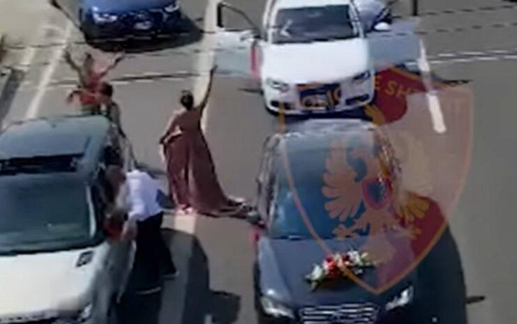 Jovens ficam sem carro ao gravarem vídeo numa autoestrada